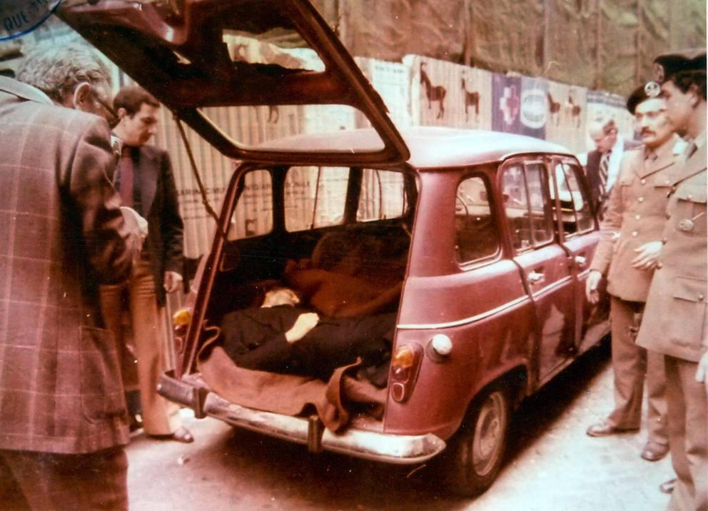 El cuerpo de Aldo Moro en via Caetani