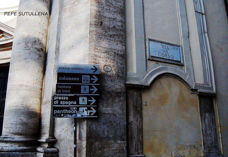 Inicio de Via del Corso desde Piazza del Popolo