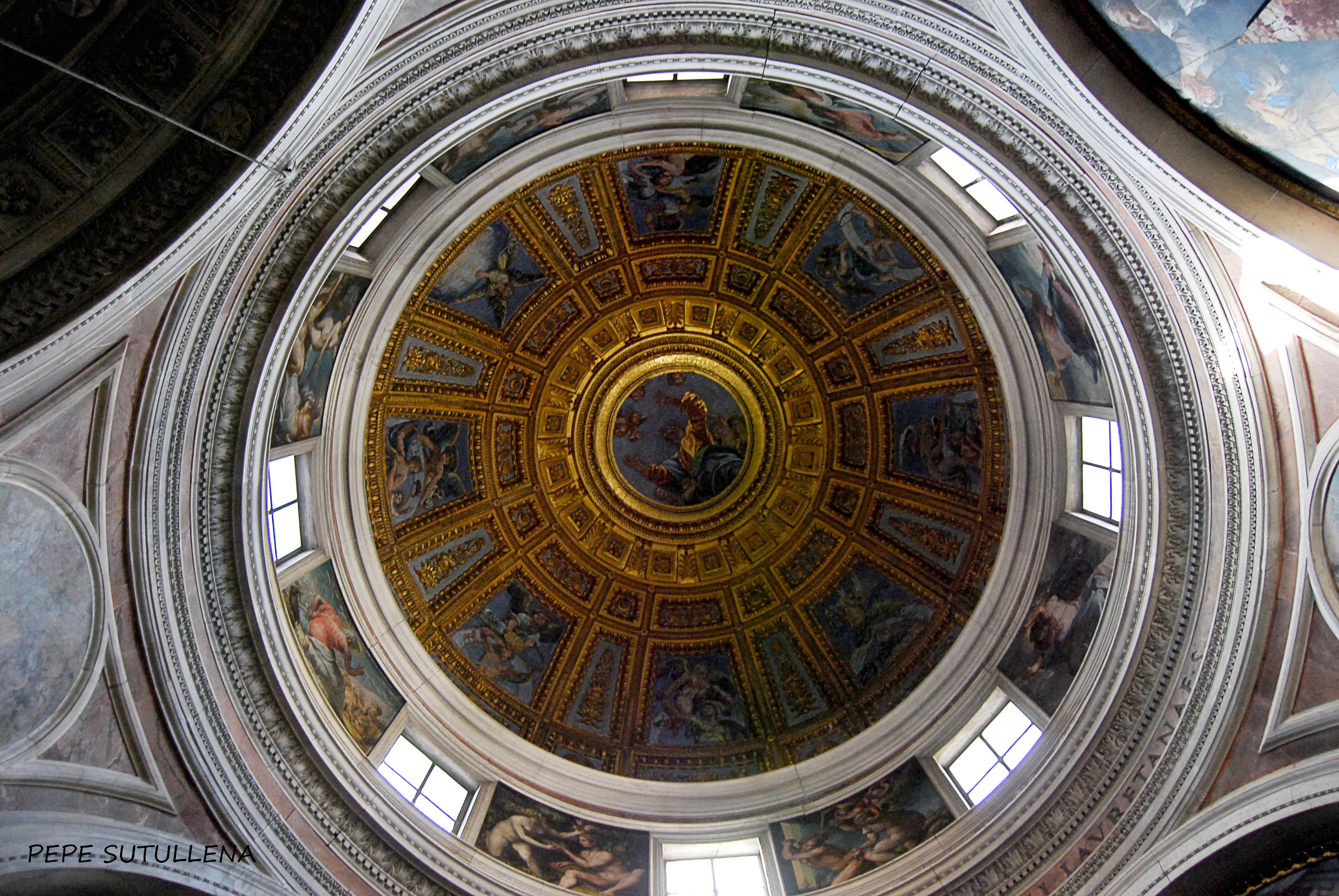 Panorámica de la cúpula de la capilla Chigi, de Rafael