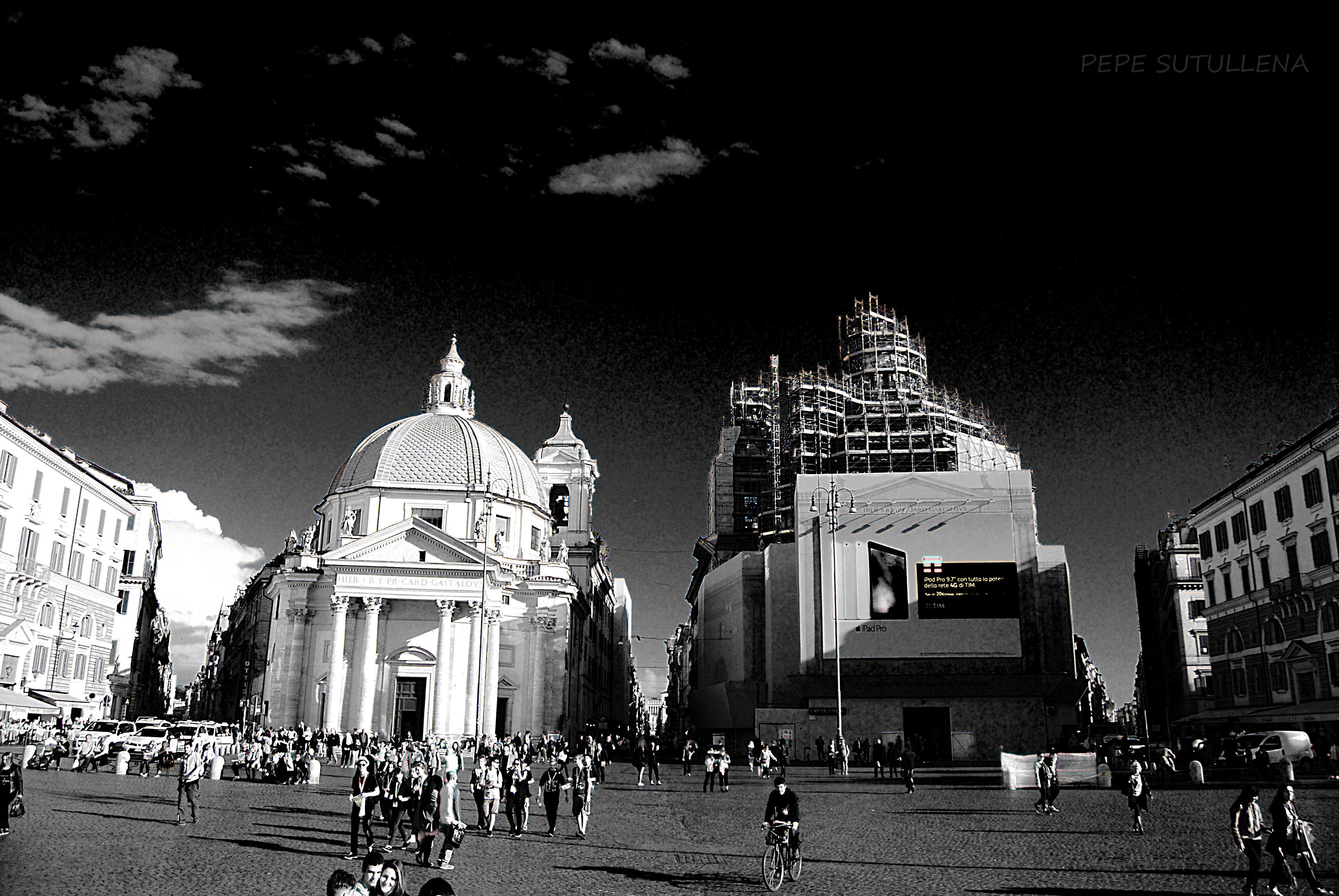 Piazza del Popolo y el inicio de las tres vias principale, el Babuino, el Corso y Ripetta