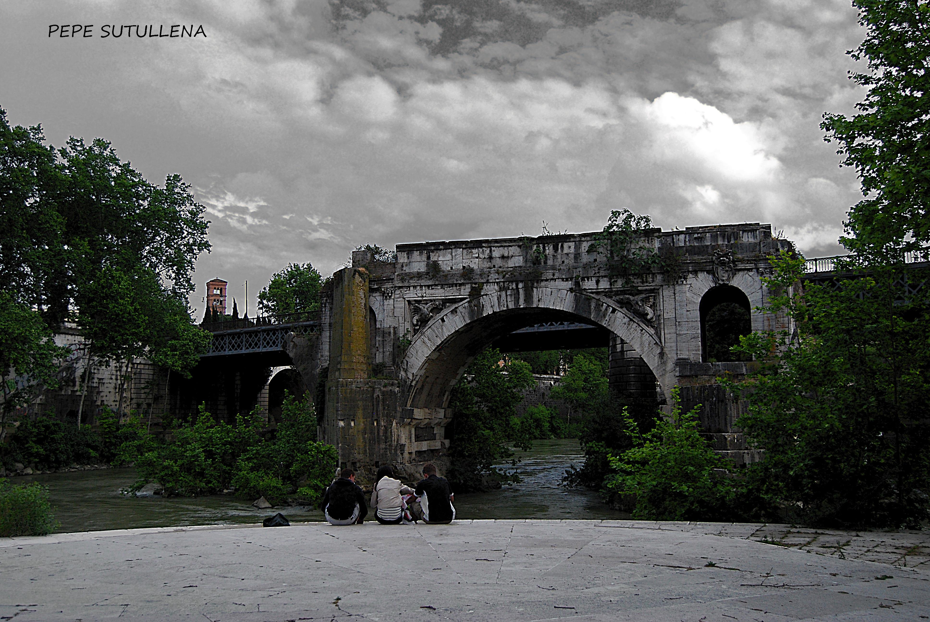 Ponte Rotto desde la Tiberina