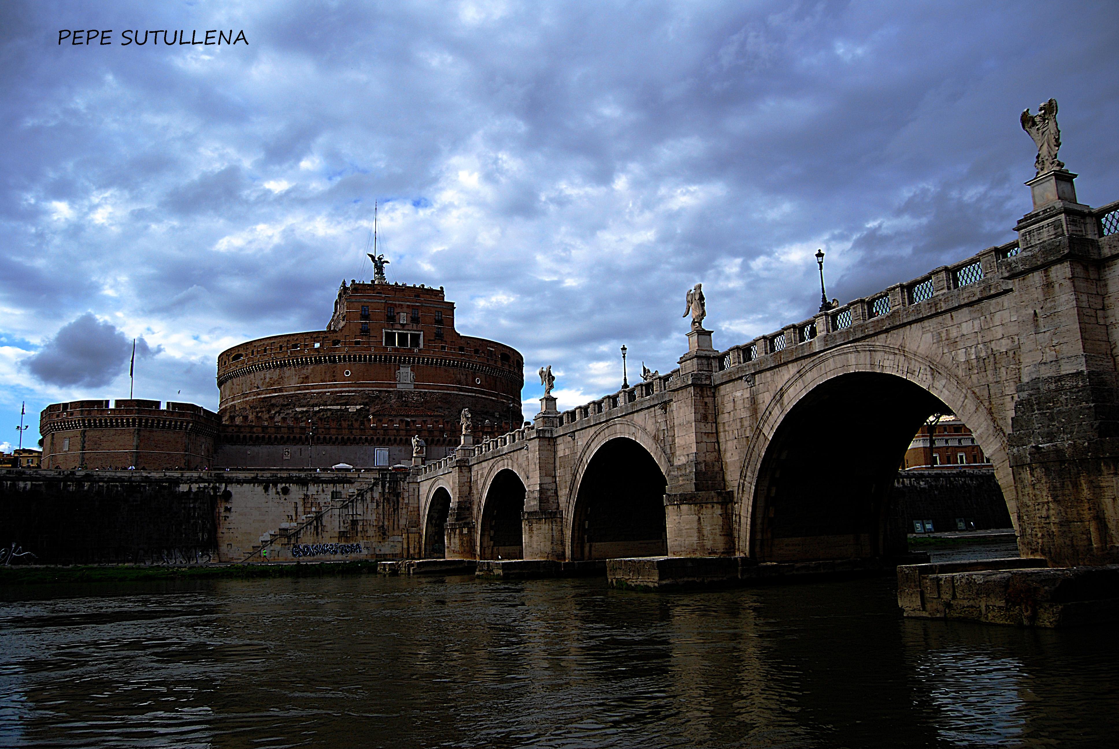 Puente Sant'Angelo y Mausoleo de Adriano desde Campo Marzio