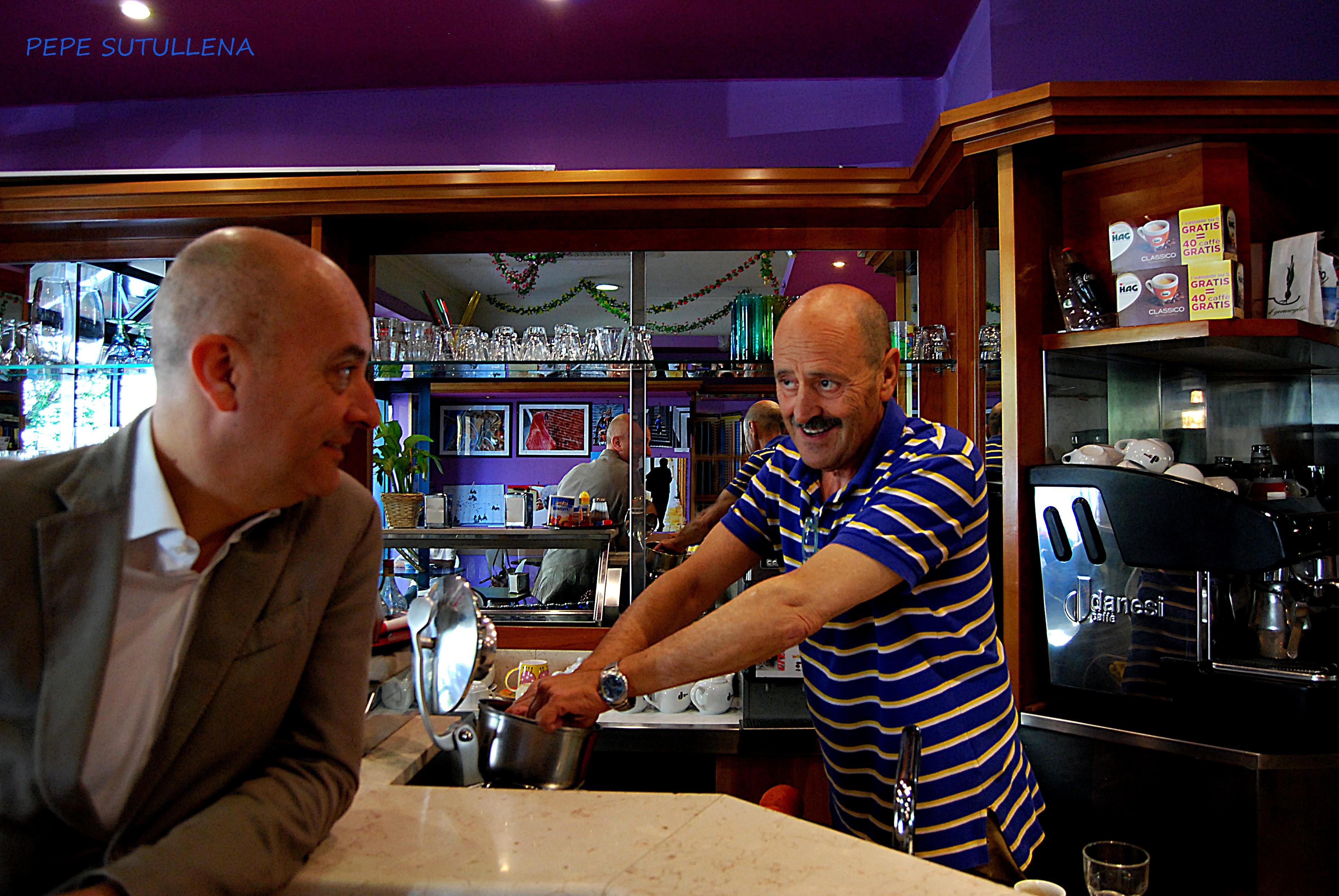 Alfredo y un cliente habitual