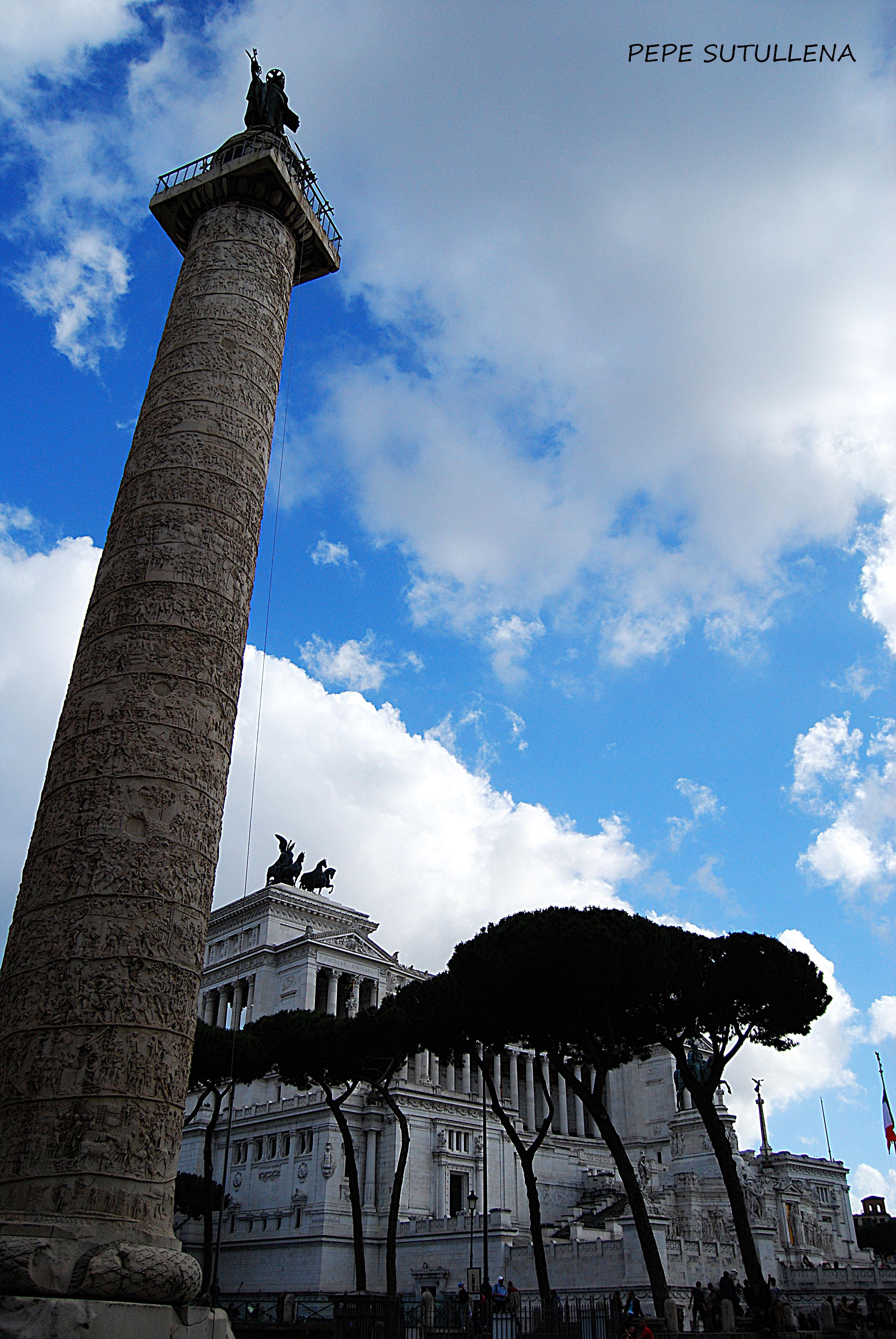 Arco de Trajano y el Mausoleo a Vittorio Emanuele II