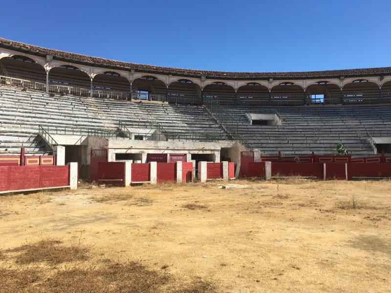 La plaza de toros de Sutullena ya tiene licencia para su reparación
