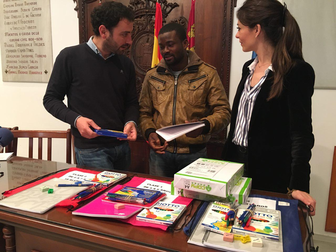 Material escolar para Ghana gracias a la solidaridad de los usuarios del Banco de Intercambio de Libros de Texto