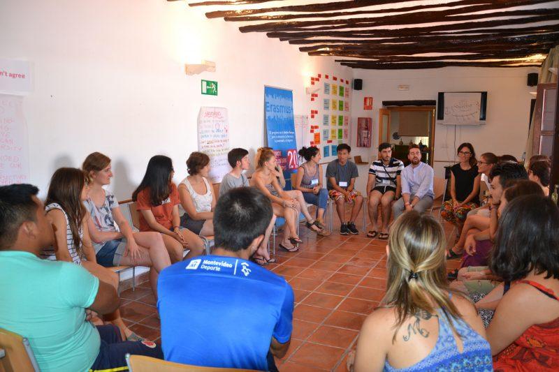 Una veintena de jóvenes de 11 países participan en un proyecto de voluntariado en la Región