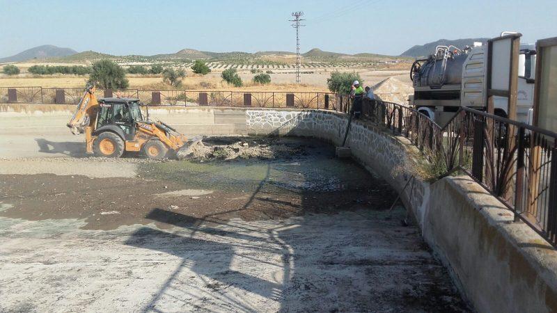 Comienzan los trabajos de vaciado, limpieza y mejora del estanque de Doña Inés
