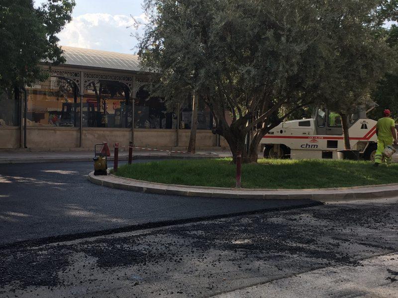 """Asfaltado de calles próximas a los colegios """"para facilitar el inicio de curso escolar"""""""