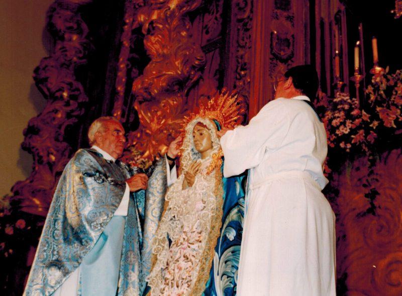 El Paso Azul celebra el XX Aniversario de la coronación de la Virgen de los Dolores
