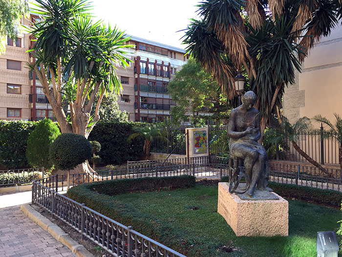 """Plantean """"potenciar el atractivo turístico"""" con una iluminación sostenible de plazas y monumentos"""