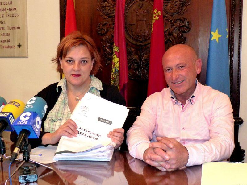 """IU denuncia """"falta de medios para atender"""" a los afectados por la devolución de las ayudas de los seísmos"""