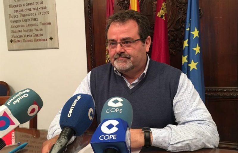 """El PSOE denuncia que la CARM """"sigue debiendo 12 millones"""" a los damnificados por los seísmos"""