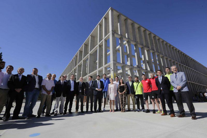 2.000 alumnos se beneficiarán de las mejoras de las zonas deportivas de los institutos Ros Giner e Ibáñez Martín