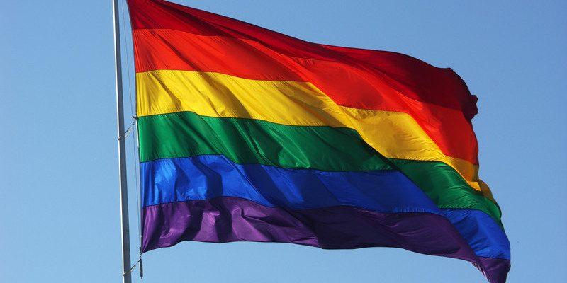 El PSOE quiere que la bandera arcoíris cuelgue del Ayuntamiento durante la semana del orgullo