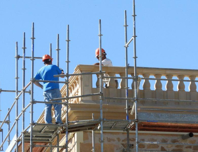 """IU pedirá explicaciones por la """"posible desaparición"""" de la balaustrada del siglo XVI de la torre de Santa María"""