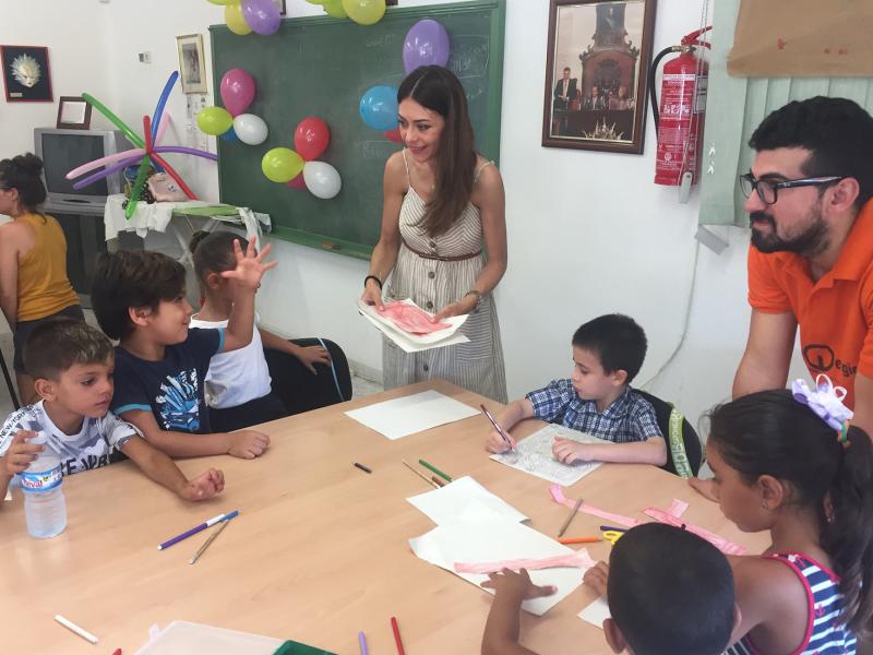 """30 niños y 14 adultos disfrutan de la Escuela de Verano """"Barrios Altos"""" durante este mes"""