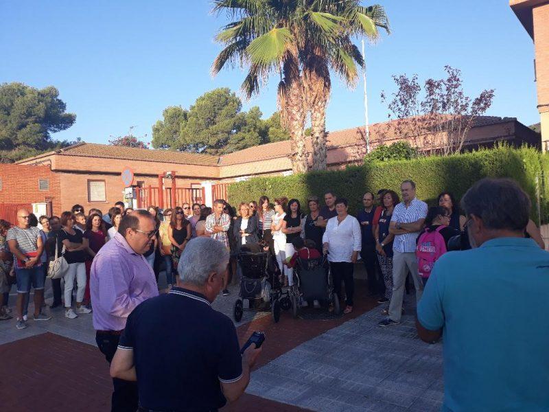 Madres y padres del colegio de Educación Especial Pilar Soubrier piden más personal para el centro