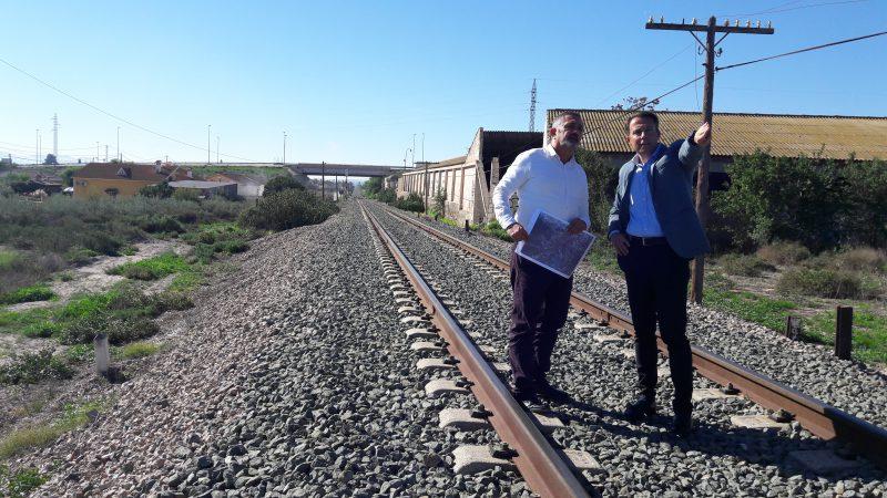 """El Ayuntamiento planteará al Gobierno que """"los pasos sobre las vías del tren sean inferiores"""""""