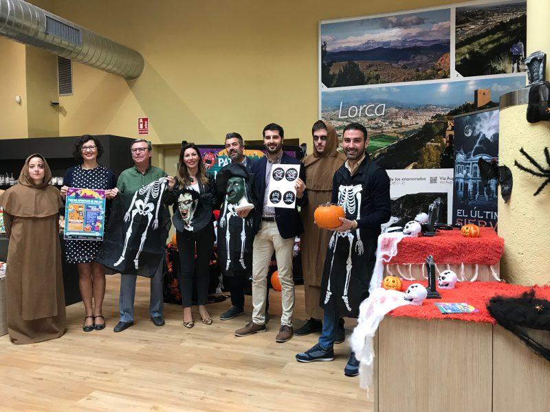 Ayuntamiento, hoteleros y comerciantes programan una amplia oferta para la Noche de Brujas