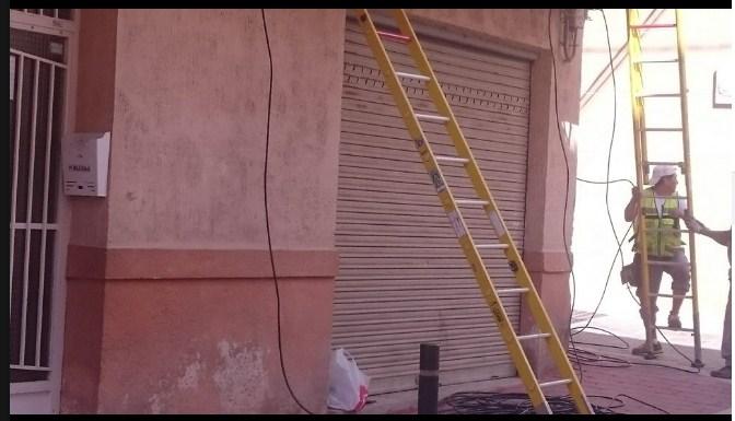 """IU exige que """"se frene la instalación de cableado"""" en las fachadas"""
