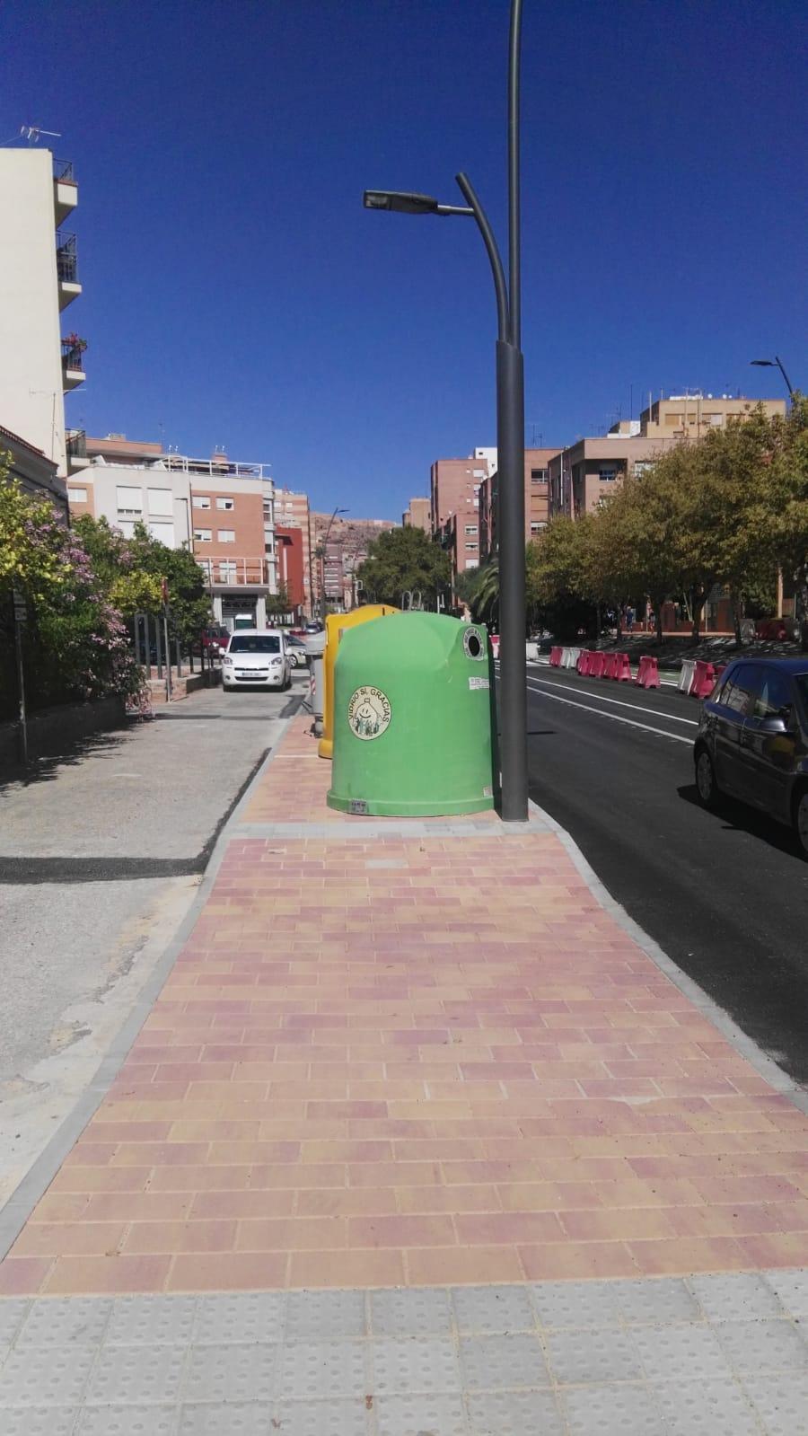 IU denuncia que las obras de Alameda de Cervantes «no incluyen los contenedores soterrados previstos»