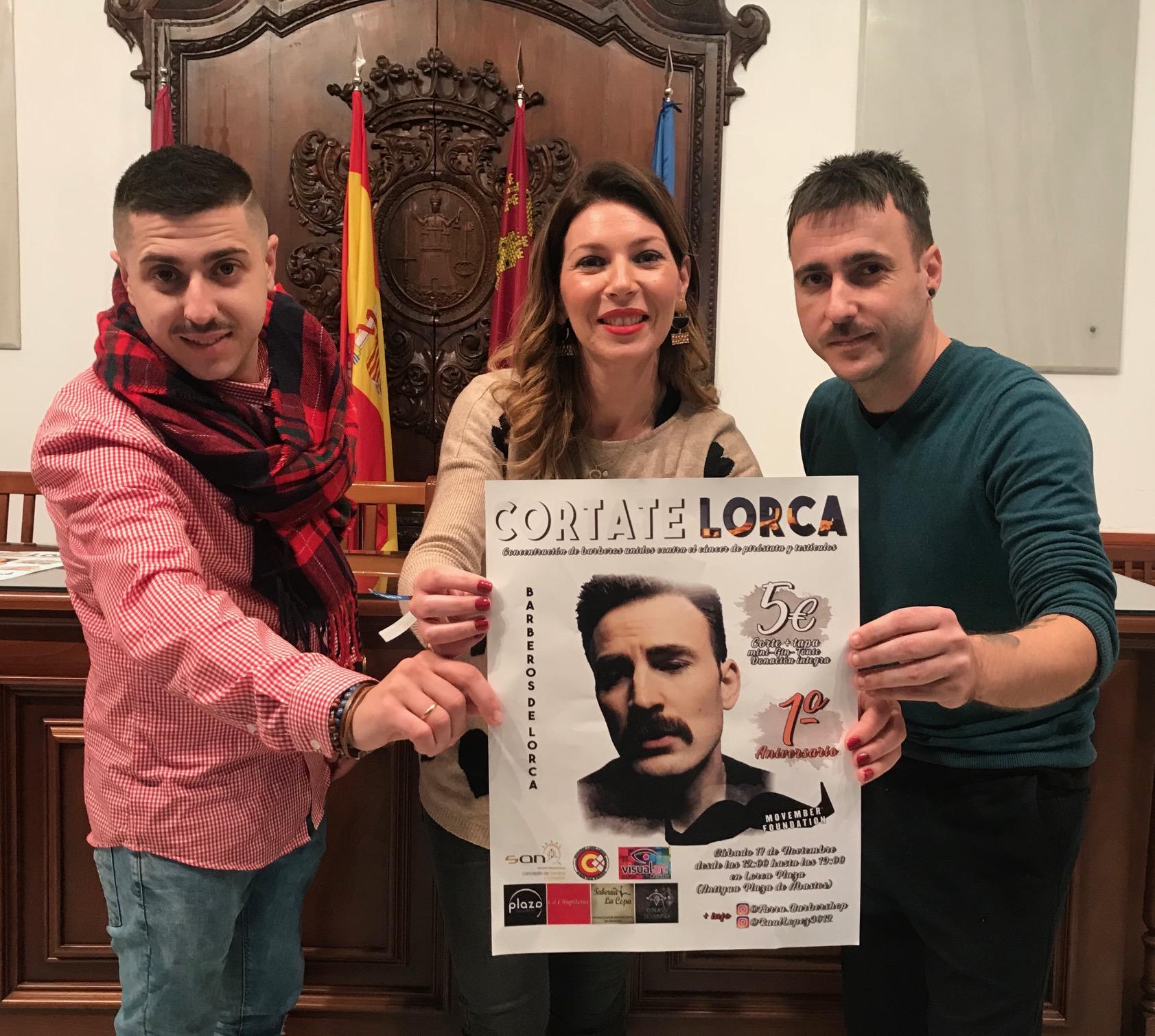 Los barberos lorquinos se unen al movimiento 'Movember' para luchar contra el cáncer