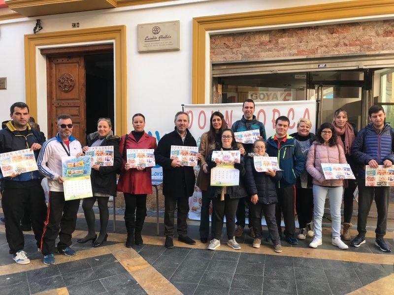 Down Lorca pone a la venta más de 3.000 calendarios solidarios para recaudar fondos