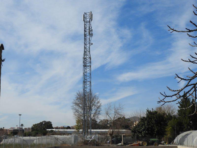 Ecologistas en Acción reclama el desmantelamiento de una antena de telefonía