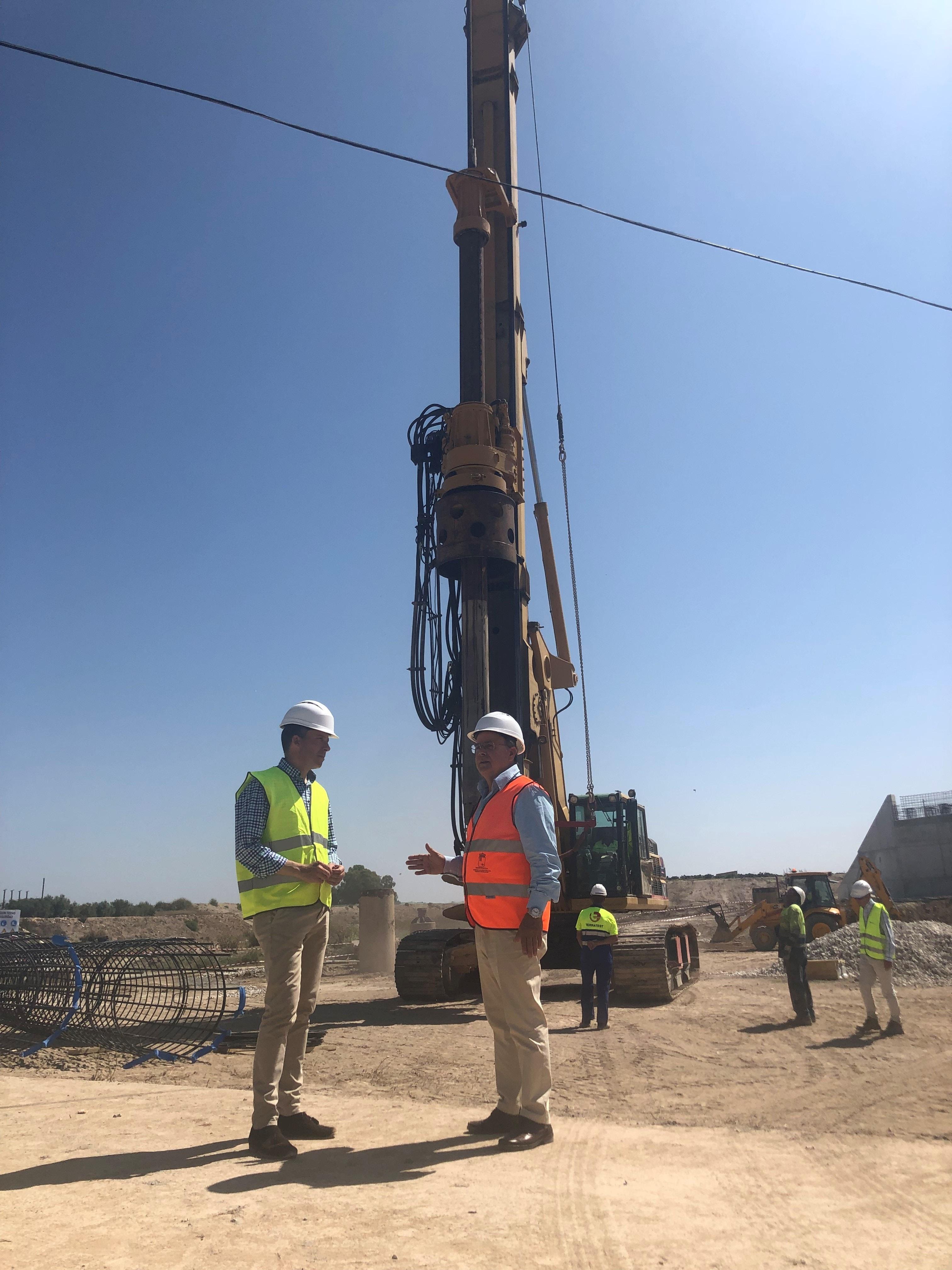 En otoño concluirá la construcción del nuevo puente sobre la rambla de Biznaga